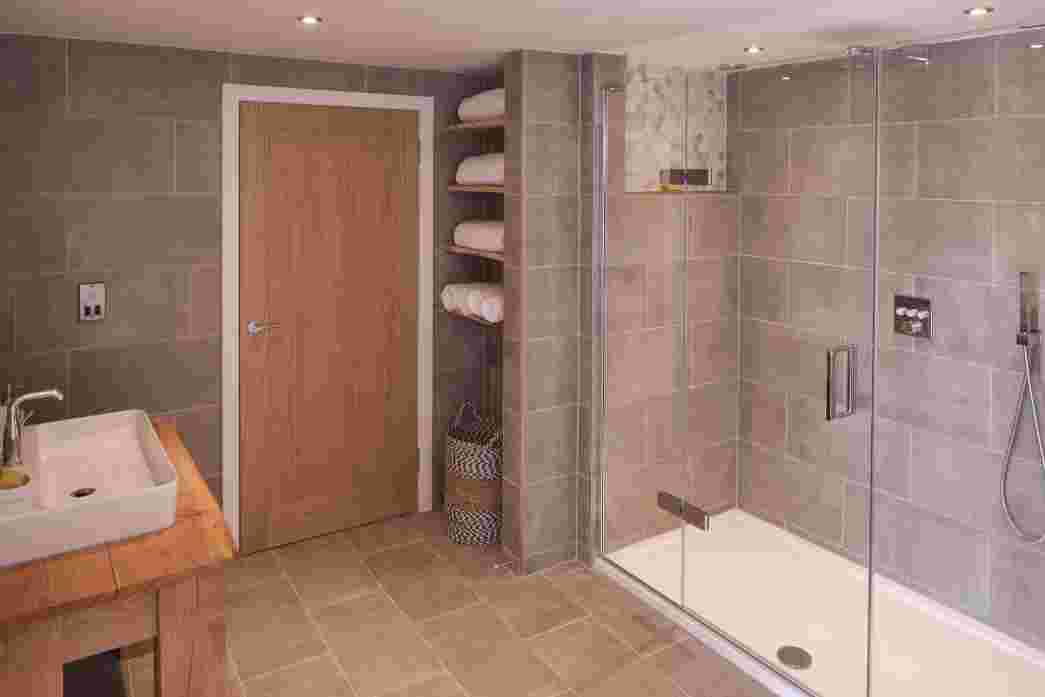 Spa like bathroom facilities, free standing bath and walk in rainshower